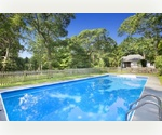 ABSOLUTELY CHARMING, NEAR BAY BEACH- HAMPTONS BAYS