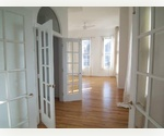 Soho Loft on Broome &gt;Two Bedroom Corner Unit! 11 Windows! River Views! 