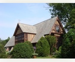 EAST HAMPTON GENUINE TUDOR C.1916 - 6 BED WITH POOL