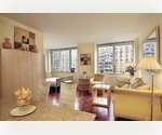 Wonderful 1 bedrrom and 1 bath Upper West Side w/ Washer and Dryer. Close to Lincoln Center, Central Park and Columbus Circle.